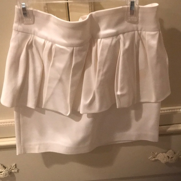 Zara Dresses & Skirts - White peplum skirt
